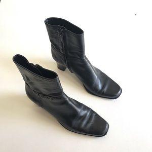 Antonio Melani Black Short Boots Side Zip Size 9M
